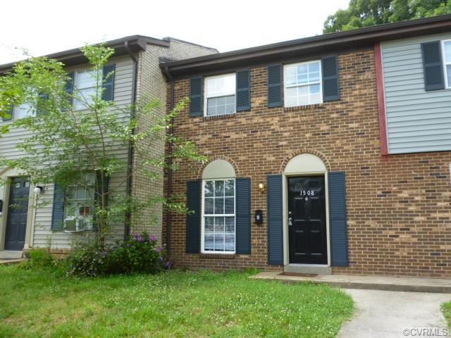 Totally Renovated three bedroom and one and a half bath Townhouse central to Chippenham Parkway and