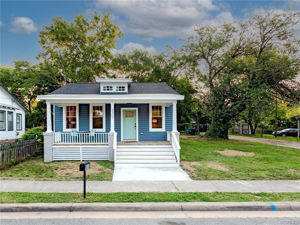 KNOCKOUT RENOVATION of a Church Hill Area cottage....single-level, efficient living in the city with