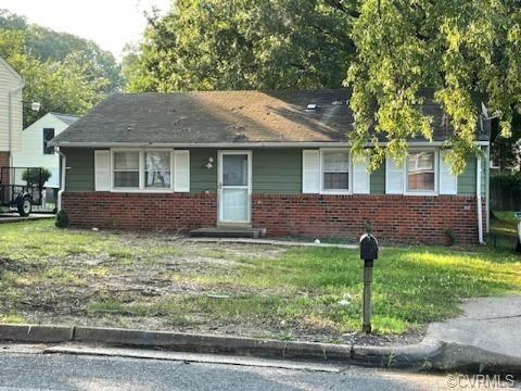 This Adorable starter home is waiting for you! This cozy 3 bedroom, 1 full bath and  a half  rancher