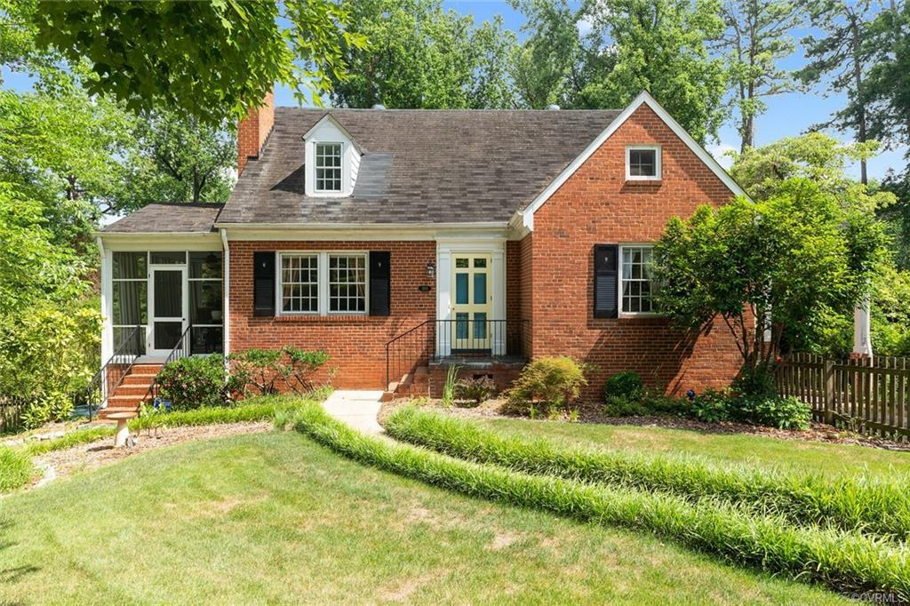 A WESTOVER HILLS BEAUTY! Tucked away by The James River and Forest Hill Park sits this fantastic hom