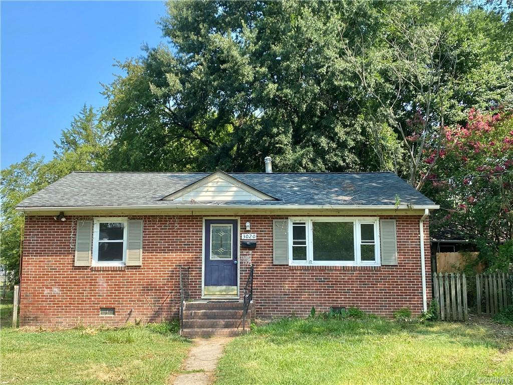 Solid brick and vinyl sided ranch home with 3 bedrooms and 2 full baths in sought after Lakeside nei
