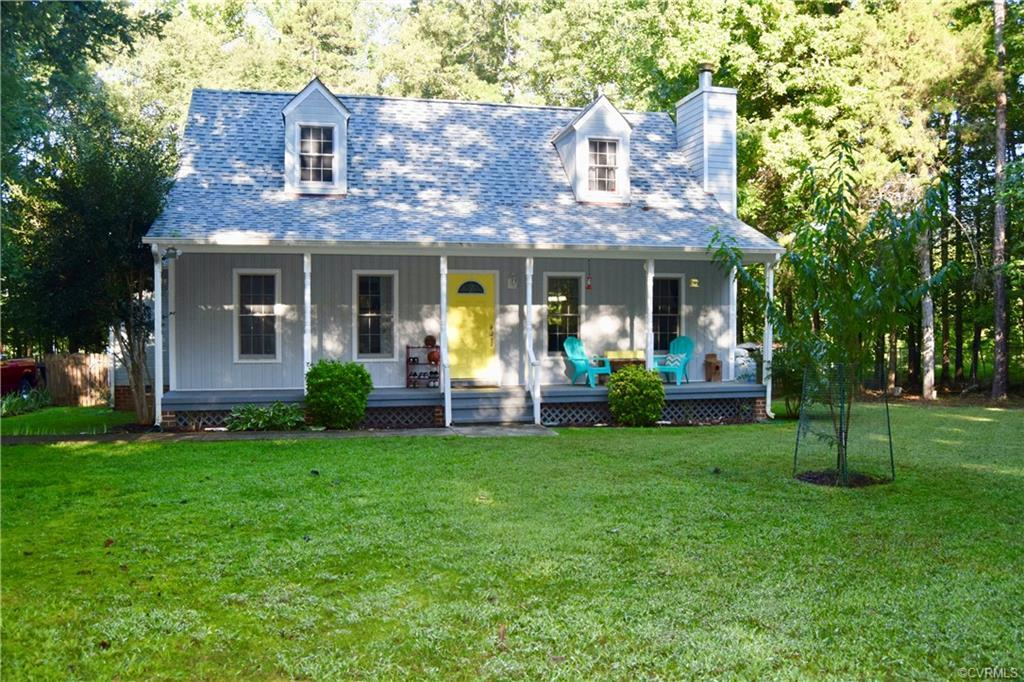 Cute Cape on 1 acre, with Full Front Porch, that offers you peace and quiet of Powhatan Living.  Nic