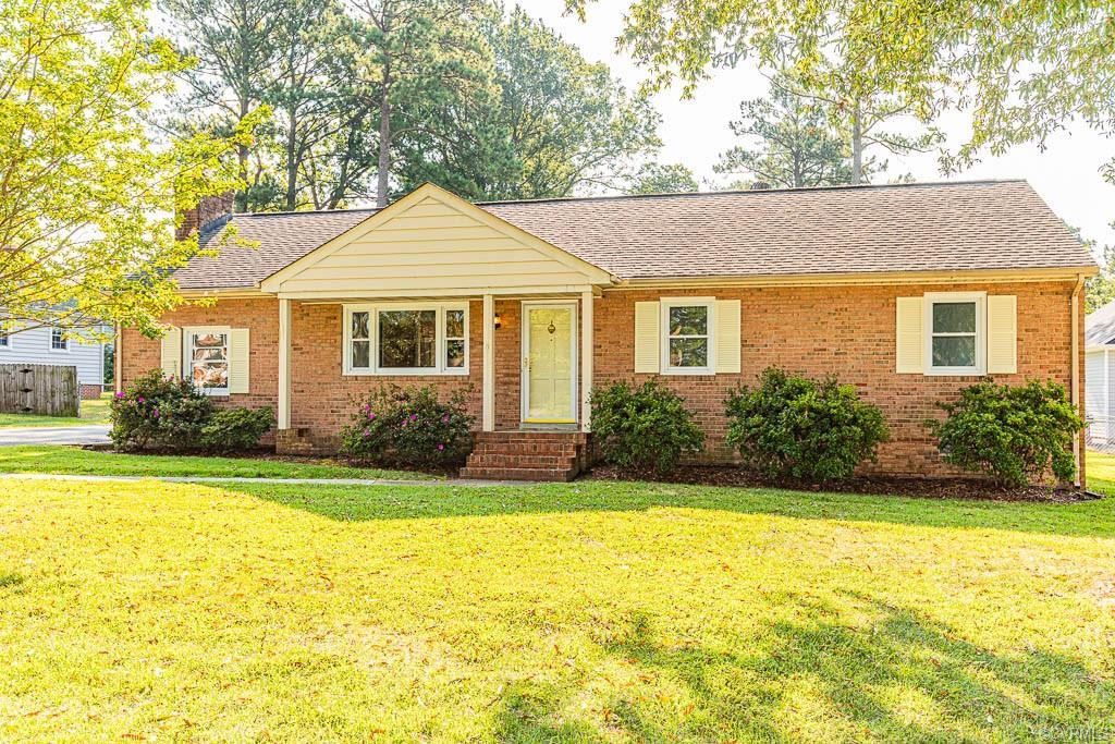 Welcome to 8323 Carneal Lane. This move in ready brick ranch is located in the heart of Mechanicsvil
