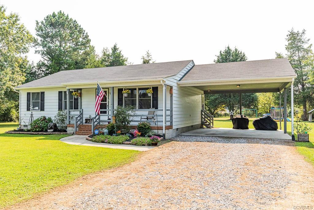 Welcome to Millie Farms! If you're looking for a well maintained, low maintenance rancher on over an