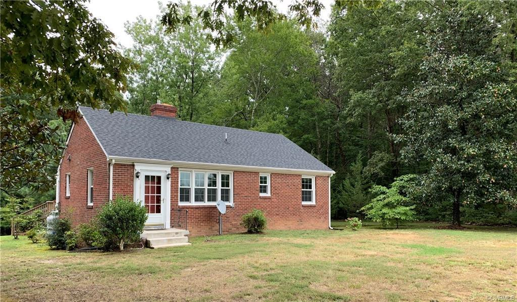 Adorable rancher in the heart of Beaverdam. Sitting on just over 1 acre of land this home would be p