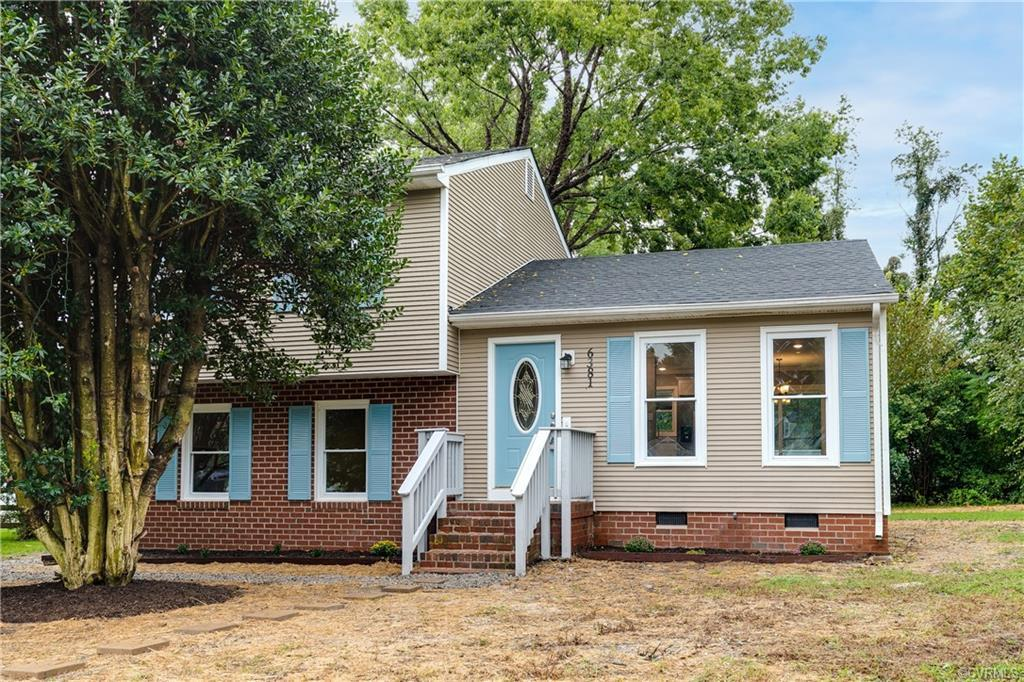 Renovated Tri-Level Home in desirable Mechanicsville! Your new home greets you with a private drivew