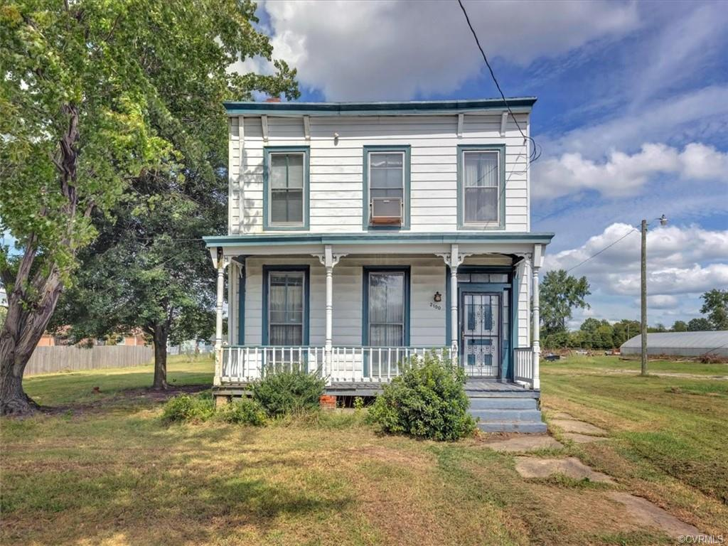 A country feel but close to the city. This 3 bed 2 bath colonial is ready to be whatever you imagine