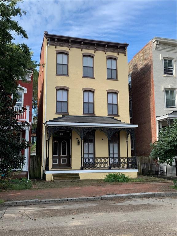 Investment Opportunity! True Triplex in Historic Jackson Ward! Ready to Rent with potential 43K+ Gro