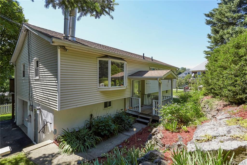 Welcome home!  This home is exactly what you have dreamed of.  Sited in an idyllic community where t